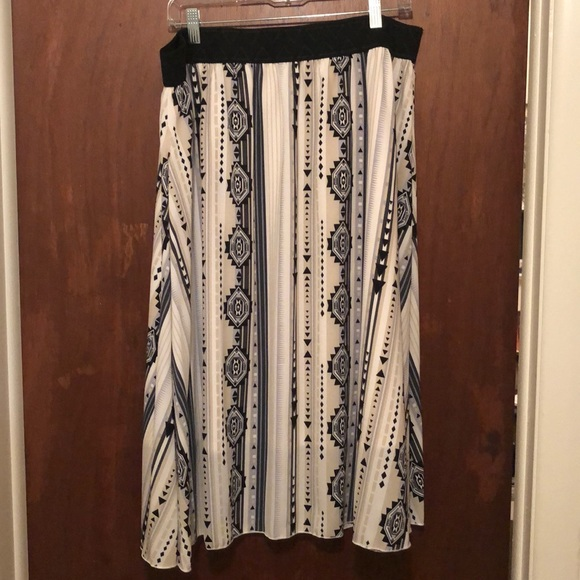 LuLaRoe 2XL Lola Skirt
